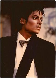 Yes i have met MJ twice.....once was in the 70's at a record store in Los Angeles...at a record signing of him and he's brothers record Destiny. i met all of the brothers first and then walked up to MJ and omggg....he was so sexy and those beautiful eyes of he's where seeing right through me...my दिल was beating so fast , and all i could do was ask him for a kiss.. and he कहा yes...he kissed me and my friend and we were in heaven...and we scream all the way out the store. The othier time i met him was in front of his घर whem he lived in Encino..he drove in with a diguise..but i knew it was him...he rolled down the window to hes car and कहा hello to me and my youngest daughter that was about 4 yrs old at the time...he asked who's the little one and asked her name...he loved children and was very sweet to us..i feel very blessed to have met him and seen so many of he's concerts...i will never forget it ever in life. r.i.p. MJ....until we meet again.