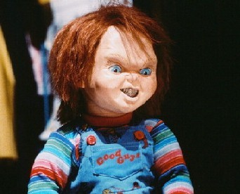 CHUCKY!!. honestly I like the first three films. I saw him lebih bad, lebih psycho. In the last two movies, the fact that he has a family, it did lose a little interest so I prefer a single Chucky. But it's only my poor opinion. haha