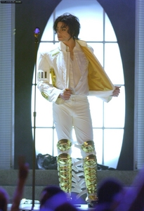 Awwwww.......so beautiful i miss him so so much......your vid has me in tears...very good job......long live the King...........MICHAEL JACKSON