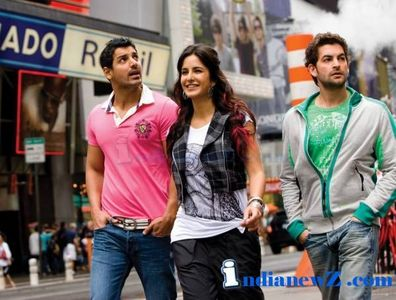 Do u like her new films NEW YORK? Plz tell me if its good of not... howz Katrina's and John's chemistry? how are the sonx?? Waiting for the response... :)