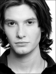I don't think Michael Sheen is right for Aro. Nor is Russell Brand. I thought Ben Barnes would of made a good Aro.