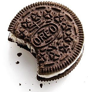 I get 2 double stuffed Oreos then I take the سب, سب سے اوپر part of both of them...then I eat the two tops then I take the two Oreos and put them together....and eat them like that..... Well for me that's only sometimes...most of the time I just eat them normal.