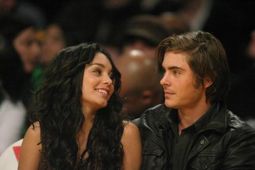 Yes Vanessa and Zac are still together and are the most cuttest couple ever