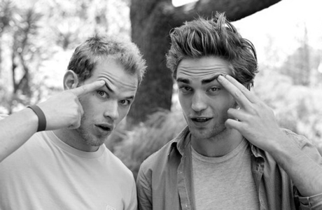 I choose Emmett, with no doubt, then he could be MY monkey man!!! au Carlisle, he´s just gorgeus