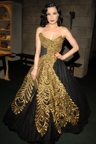 Blair\'s prom dress?? - Gossip Girl Answers - Fanpop