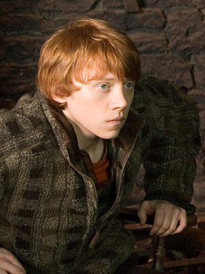 """I love the trio but my پسندیدہ character is definitely Ron. I feel I can relate to him in some things. I really like his personality too. He is funny, brave, a really great friend and a very loyal person. I like him mainly because he's not perfect, he's real and honest. He has faults but he is a good guy underneath it all. I would be so happy if I had a friend like him. :)""""Weasley is my King!"""""""