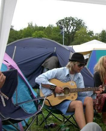 Keith Harkin is the best looking guy on earth! He's the greatest and I will Cinta him 'til the hari I
