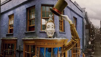 totally true!!:D the person below me thinks that Zonko's Joke negozio is better than Weasleys' Wizard W