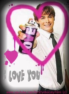 yea .............zac's way betta than lucus......he's d hottest thing alive