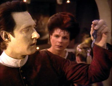Hi everybody! I will post three pictures of ngôi sao Trek TNG and bạn have to make a funny hoặc witty com