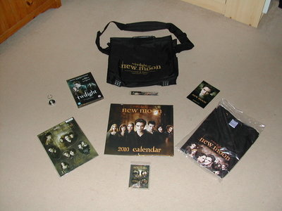 I postato this on ebay - it includes 9 items from the UK premiere. Check it out! http://cgi.ebay.co.u