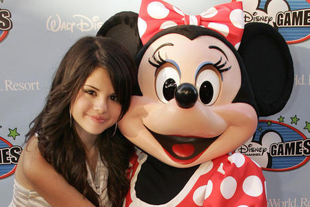 Selena and Demi are REALLY close friends.They been Friends since they were 7 yrs old.And they met on