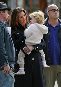 Brooke Shields with Grier on Set 发布 on October 7th, 2008 11:43 AM 由 Joe Billionaire Filed unde