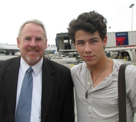 Nick supposedly landed in Atlanta on June 9, 2009 where Miley is filming The Last Song.