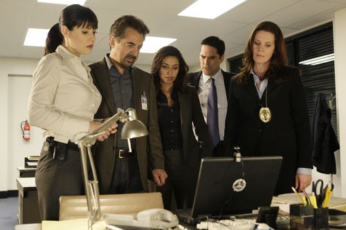 "Criminal Minds achtergrond titled Criminal Minds - 4x09 - ""52 Pickup"""