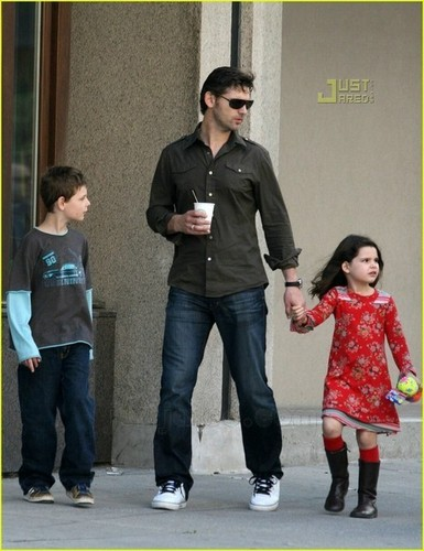 Eric with his kids