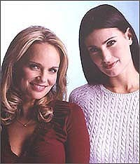 Wicked wallpaper called Idina Menzel & Kristin Chenoweth