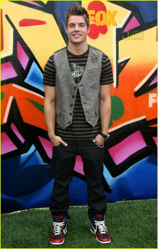 Josh at Teen Choice Awards 08
