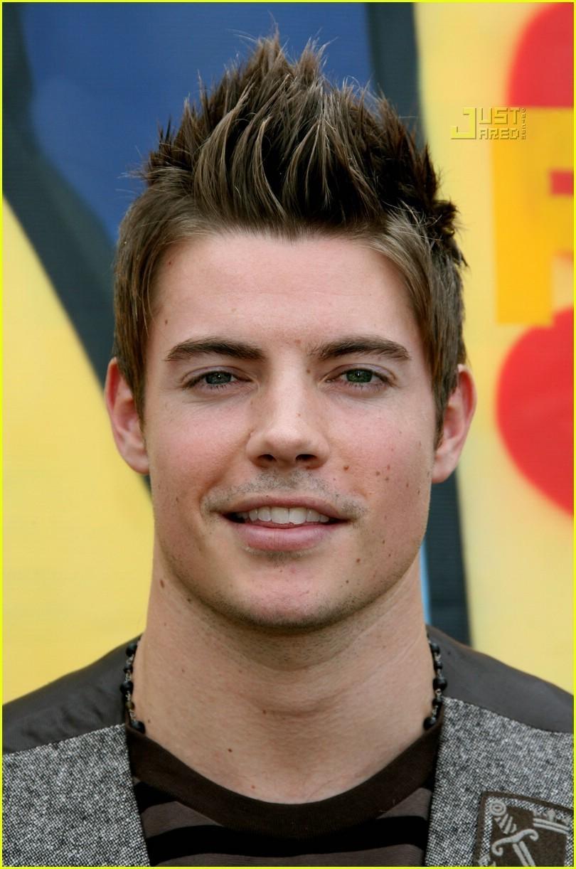 Josh at Teen Choice Awards 08