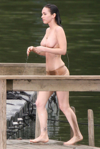 Megan vos, fox Topless!