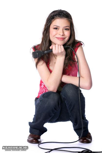 2011 carly Miranda-miranda-cosgrove-2677369-420-630.jpg