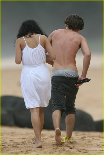 Zanessa attend a Wedding
