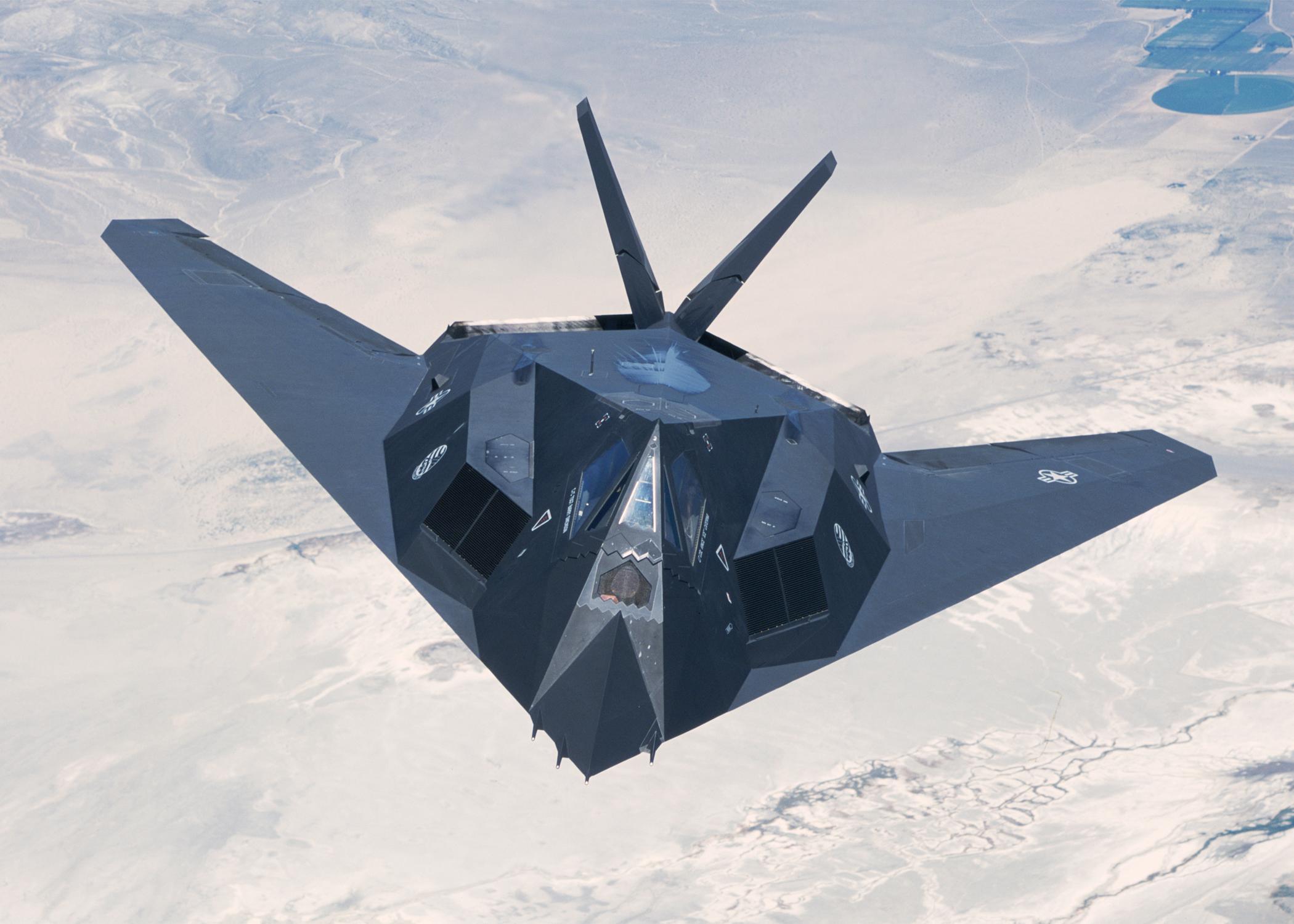 F 117 (航空機)の画像 p1_36