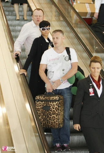 Arriving at Sydney Airport - November 7, 2008
