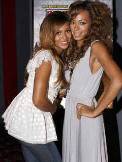 Beyonce and Solange Knowles - sisters Photo