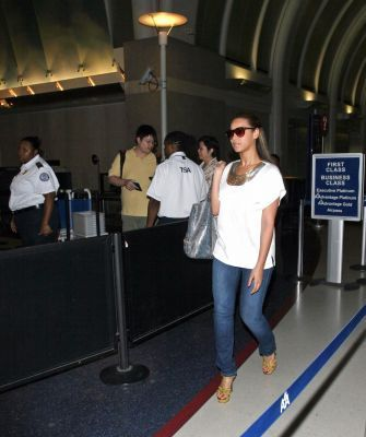 Beyonce at LAX - beyonce Photo