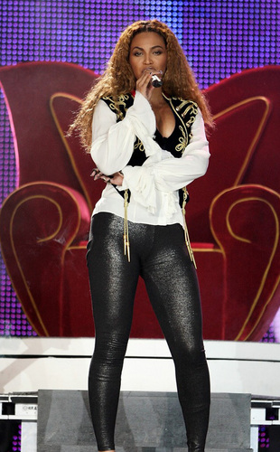 Beyonce at the WMA's
