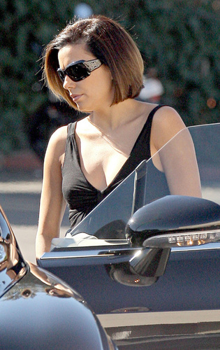 Eva on Set desperate housewives 2772952 315 500 - Desperate Housewives
