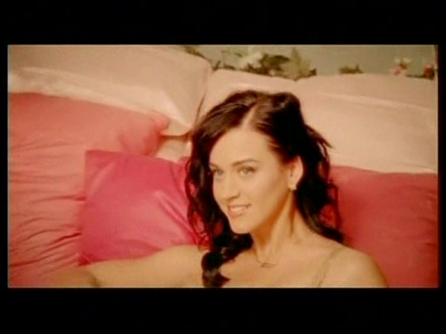 Katy Perry Says She'd Rewrite 'I Kissed A Girl' If It Were. - HuffPost