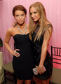Jesica and Ashlee Simpson