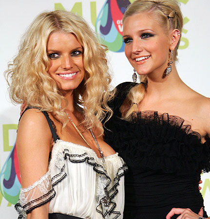 Jesica and Ashlee Simpson