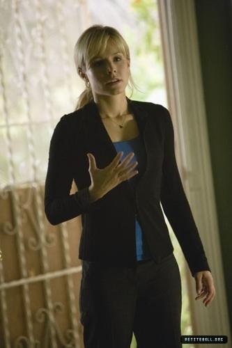 Kristen in heroes Episode Stills