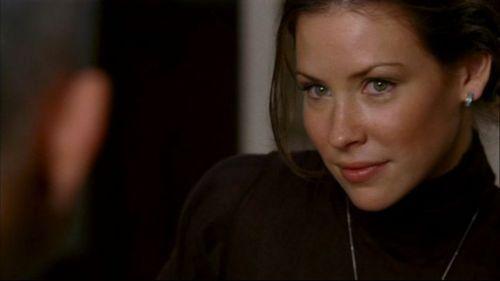 Kate Austen fond d'écran titled Lost 1x12