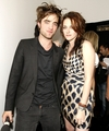 Robert/Kristen filming MTV Spoilers - twilight-series photo