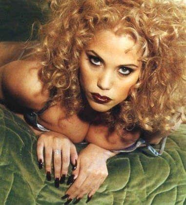 http://images2.fanpop.com/images/photos/2700000/Showgirls-hollywood-call-girls-2755591-381-420.jpg