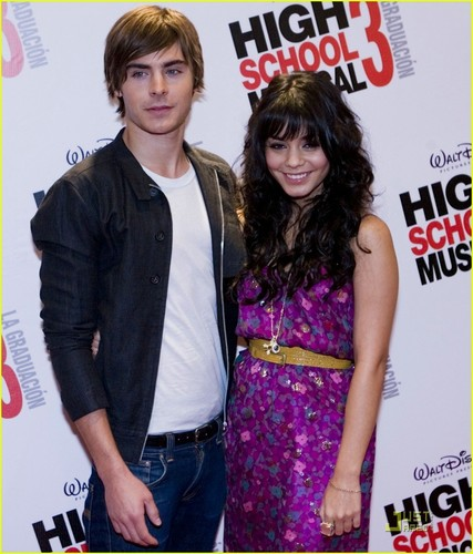 Zac @ HSM 3 Premiere- Mexico City
