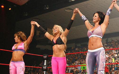 candice,kelly kelly & mickie are winners!