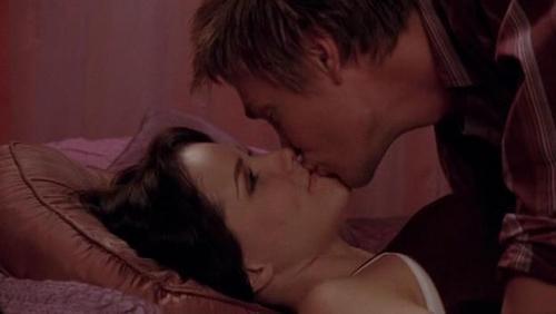 lucas brooke kiss