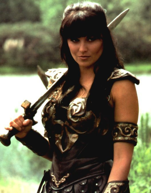[Image: lucy-lucy-lawless-2740514-528-672.jpg]