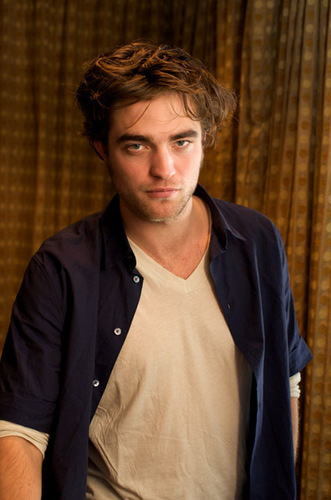 "Robert Pattinson karatasi la kupamba ukuta called ""Twilight"" Press Conference"