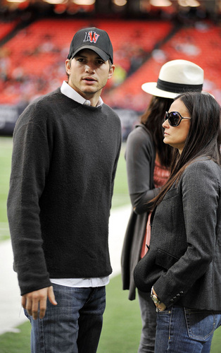 Ashton and Demi at NFL game