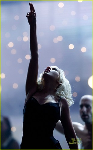 Christina Performs @ AMA's