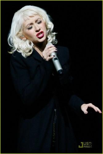 Christina Performs @ AMA's