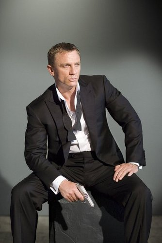 James Bond wallpaper containing a business suit, a suit, and a single breasted suit titled Daniel Craig