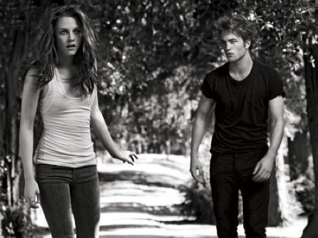 Edward and Bella (B&W)
