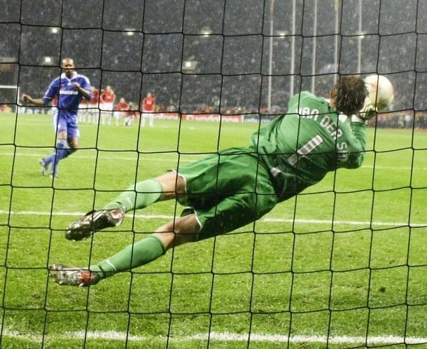 Edwin-van-der-Sar-in-the-Champions-League-final-edwin-van-der-sar-2808675-610-498.jpg